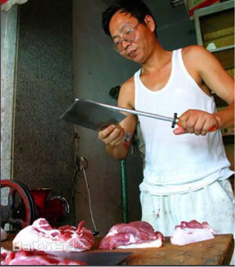 那个卖猪肉的北大毕业生已经50岁了,他现在在干嘛?