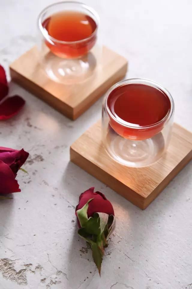 饮下这杯酒,满口玫瑰香