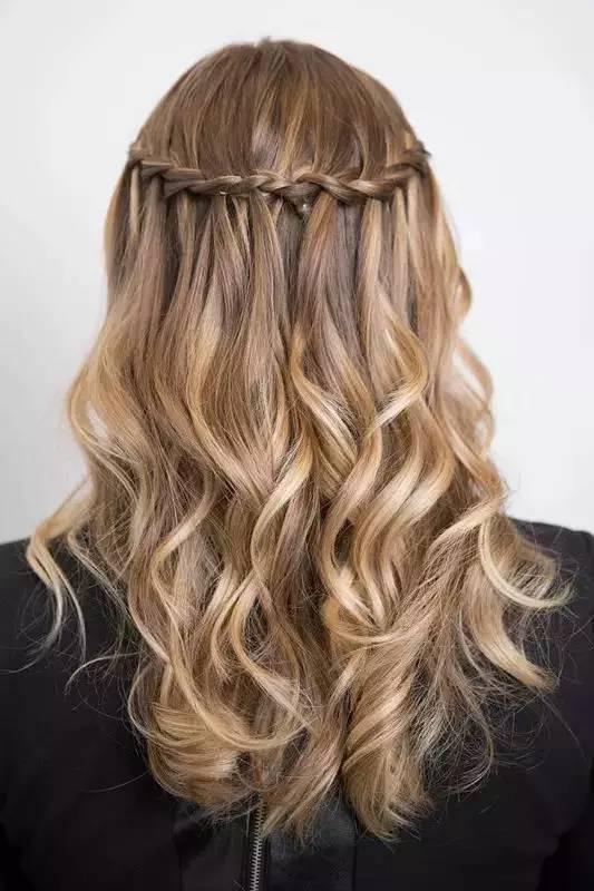 8款适合夏季的发型,让你一周美的不重样!(GIF教程)