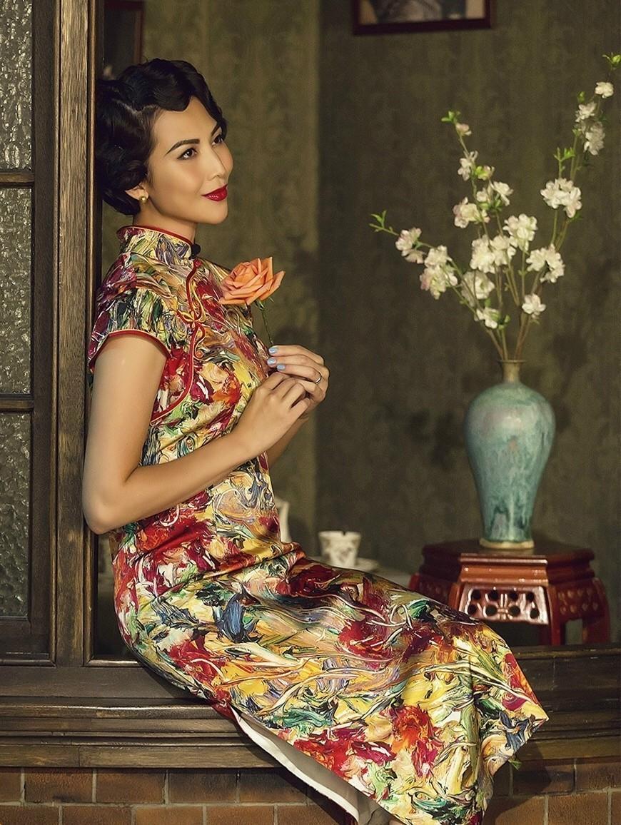"""少女脸横行的时代,中国女人为什么不""""敢""""变老?"""