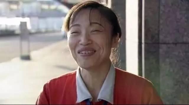 这个中国大妈带着700个日本人,扫出了全球最干净机场