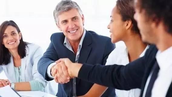 老员工以一顶十不能退休怎么办?美国企业出奇招!