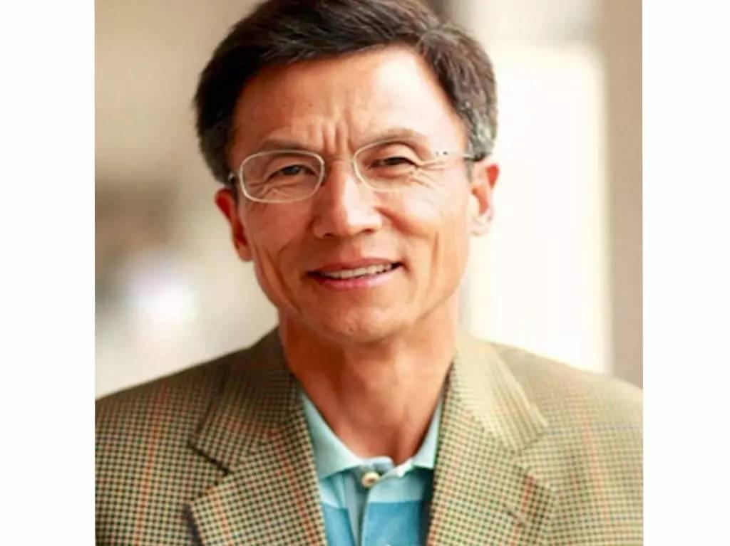 许小年猛文炮轰中国经济学界,一语惊醒梦中人