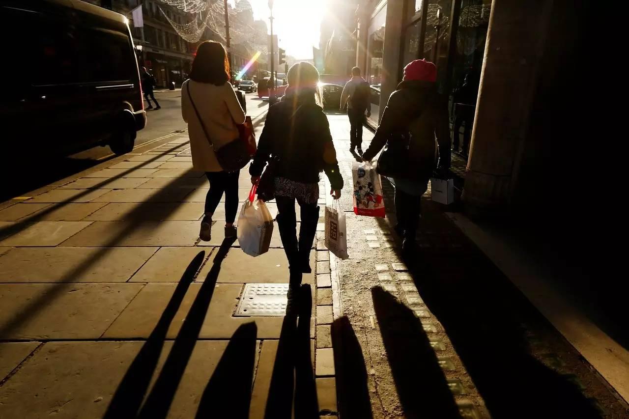 """每年1100万中国家庭步入""""富裕""""门槛,5张图看懂他们如何支配财富"""
