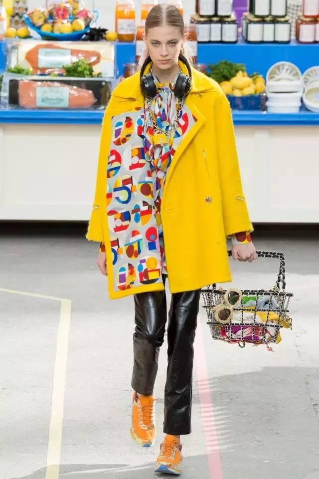 套娃包呼啦圈包骰子包…原来Chanel才是时尚界脑洞最大的品牌!