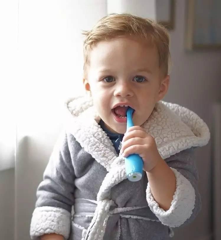 电动牙刷vs手工牙刷,到底该选哪款?