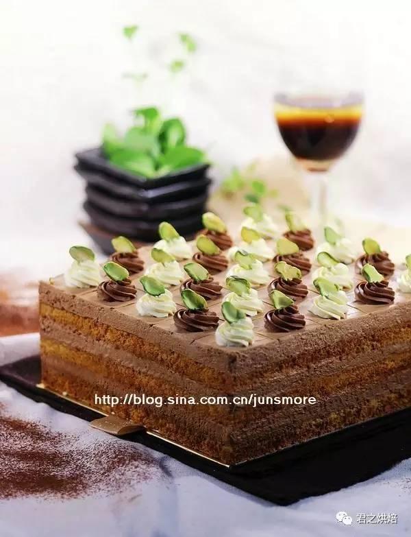 巧克力方形慕斯蛋糕   生日节日纪念日,必须有个大蛋糕!