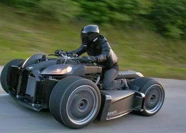 小伙买了辆摩托比法拉利还霸气,看到价格瞬间懵了