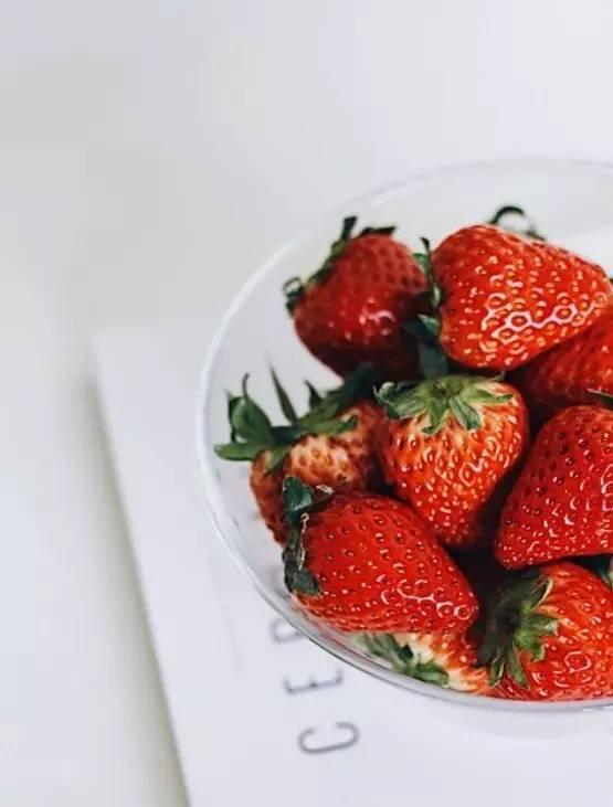 好物 | 这一季不能错过的草莓:甜美多汁不空心,果香浓郁!
