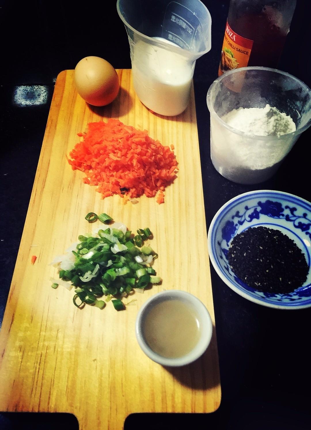 黑芝麻胡萝卜蛋卷:口感丰富超简单,快手早餐佳选!