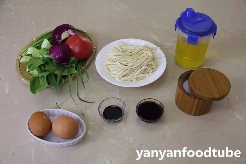 鸡蛋素炒面:简单的一人食,好味又营养