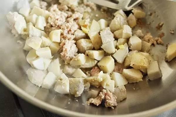 芋艿肉末豆腐羹,美味又暖人~