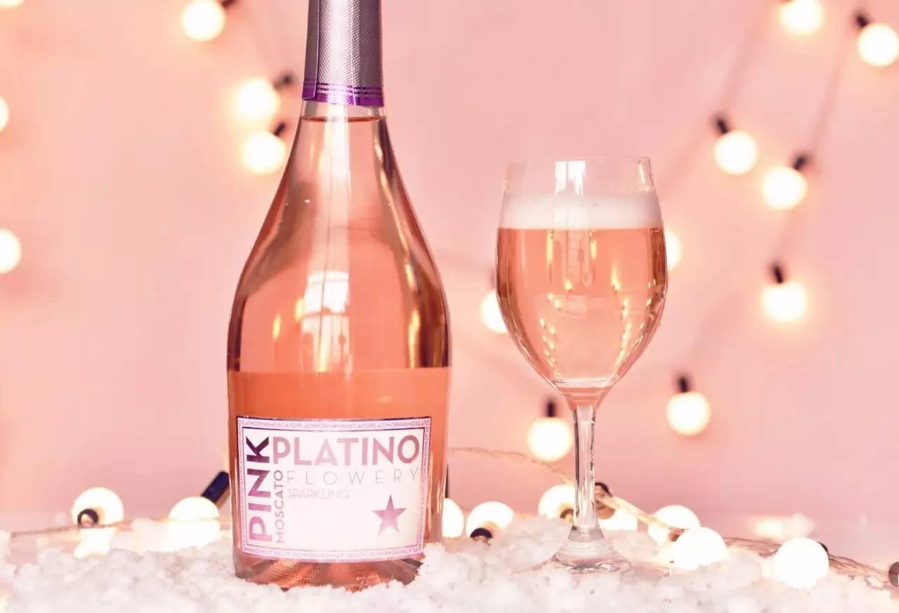 鲜货   一支给女孩的酒:柔和的果香,蜜桃般粉嫩透亮
