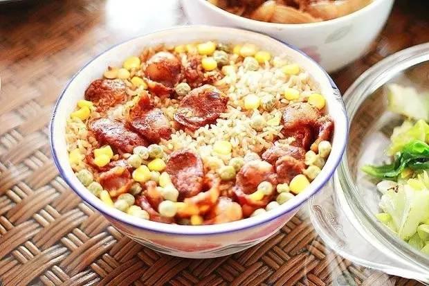 有肉有菜的米饭做法,晚餐吃它超省心