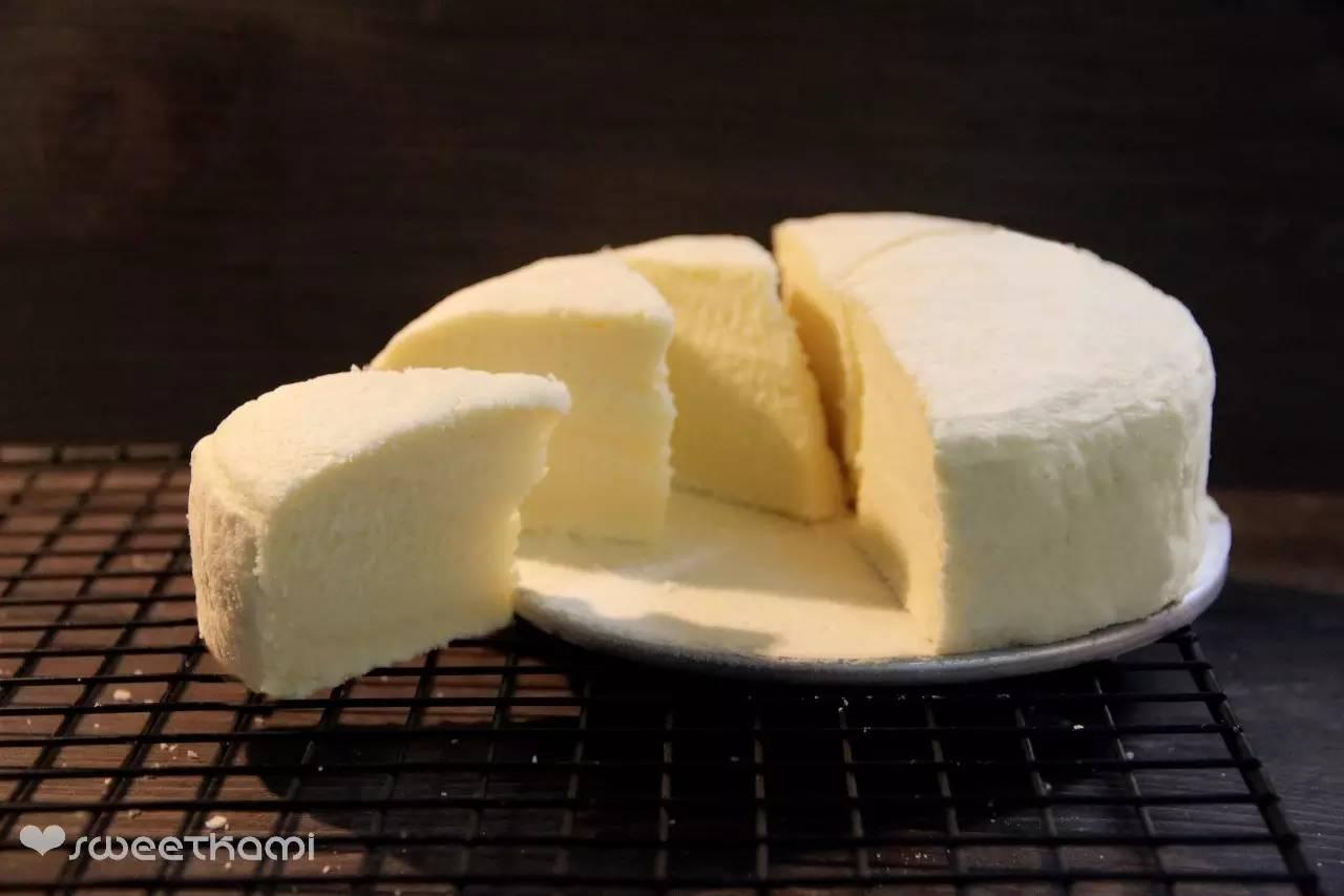 不用烤箱!简单的蒸蛋糕,细腻清甜