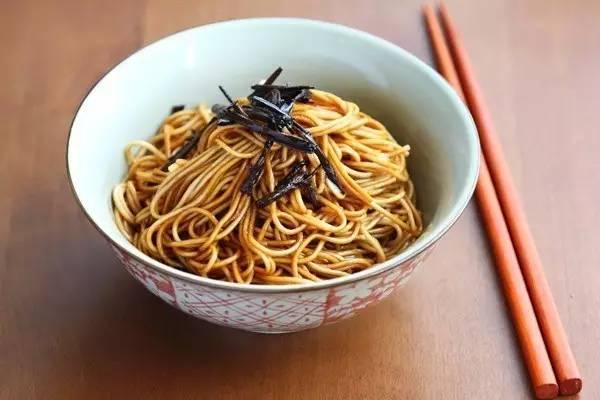 一口葱油拌面,吞下整个老上海