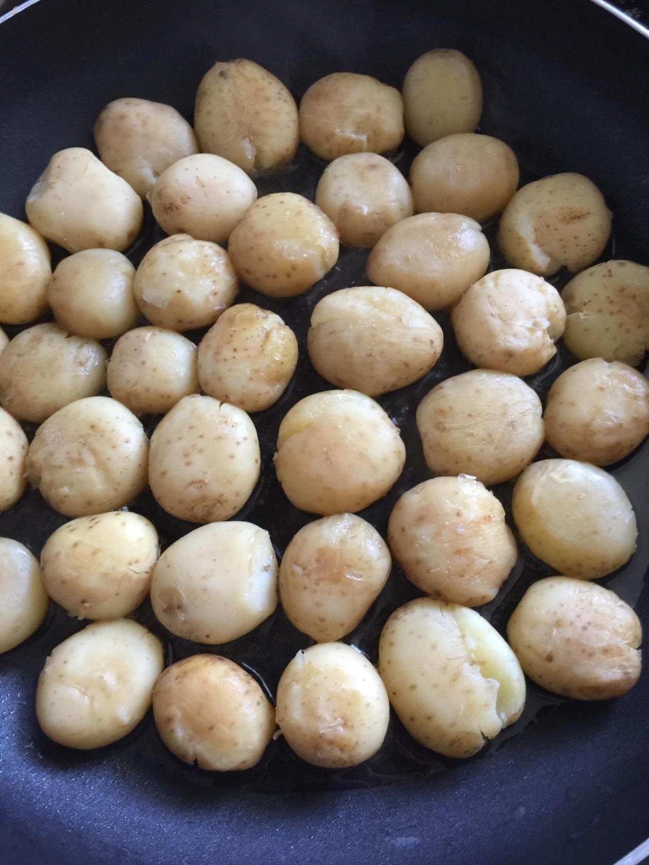 孜然香辣煎小土豆,一口一个超美味