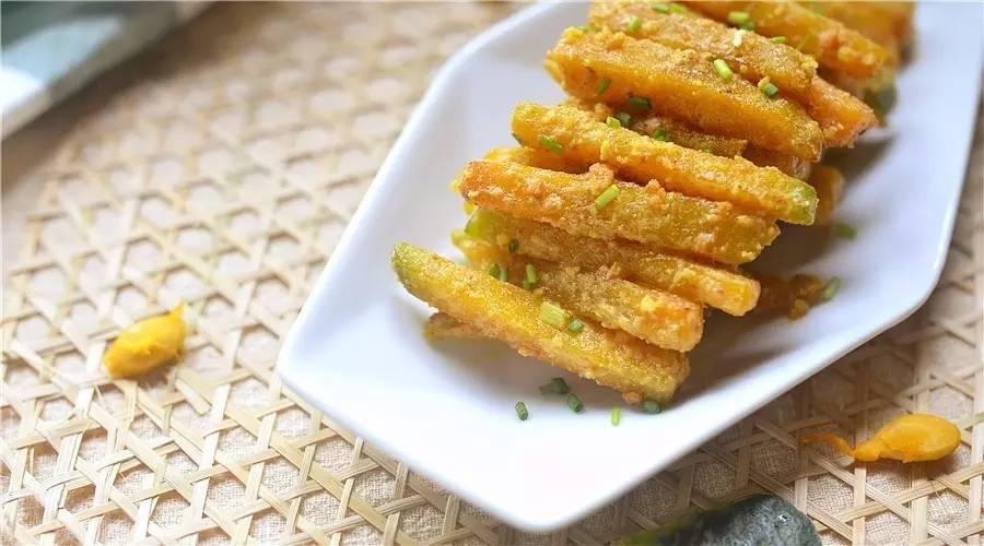 咸香软糯的快手菜:咸蛋黄焗南瓜