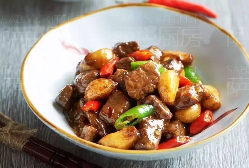 蒜烧牛肉粒:香嫩又入味的炒肉法则