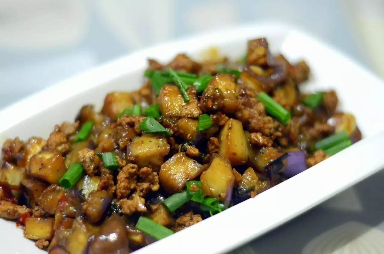 肉末搭啥都好吃,今晚米饭添两碗