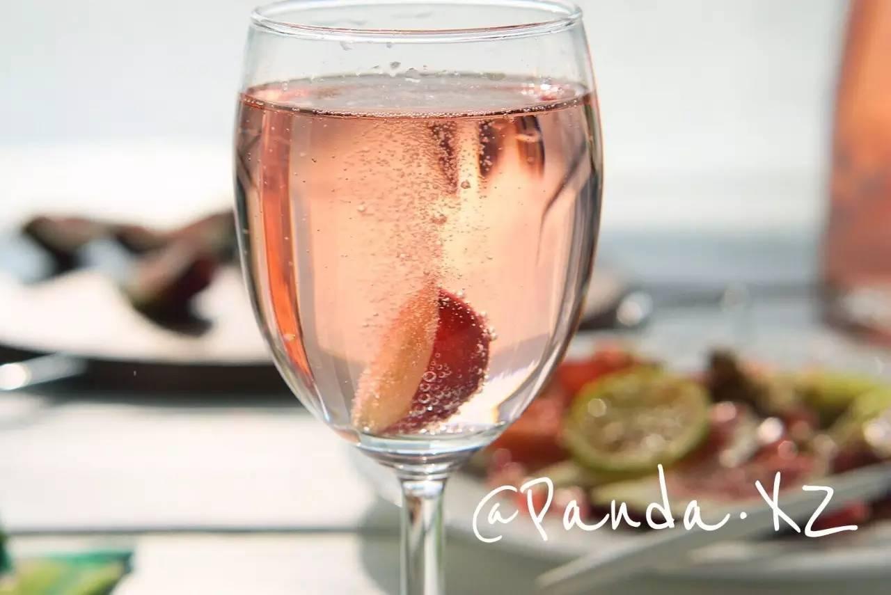 种草 | 这支酒属于少女,满溢玫瑰和蜜桃的芬芳
