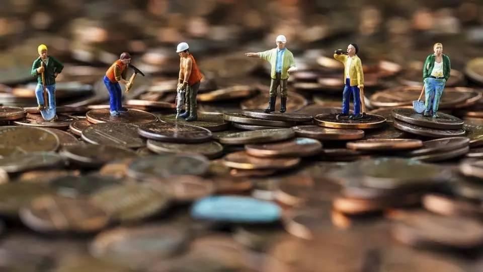 阶级鸿沟最可怕的,不是金钱的差距