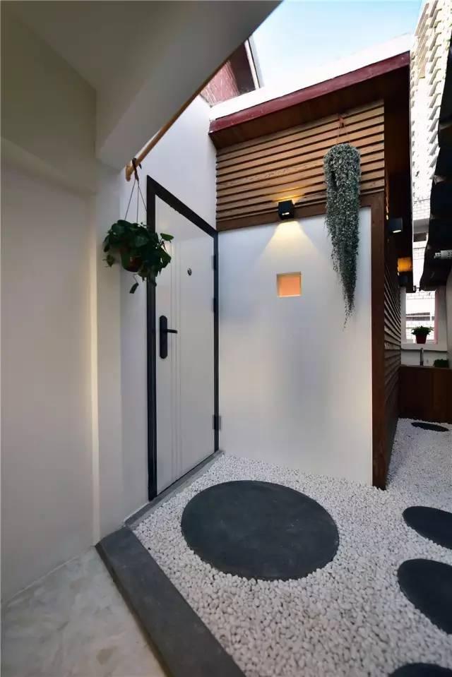 设计师爆改25㎡纸片屋成带花园的3室1厅
