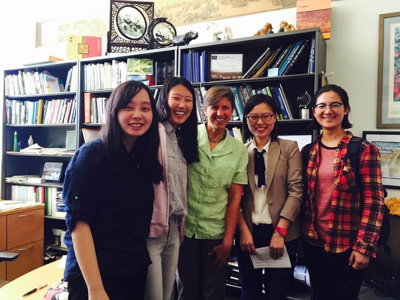留美大学生也拍了一部转基因纪录片,他们的答案是? | 全网首发