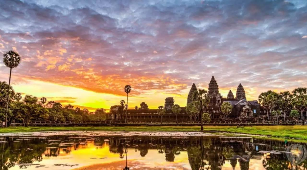 逼婚指南|亚洲这些神奇寺庙,总有一款适合出家