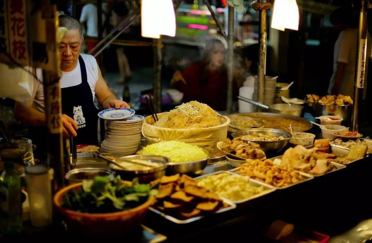 逛夜市吃美食住潮酒店,在台北做满这8件事,才算得上是不虚此行