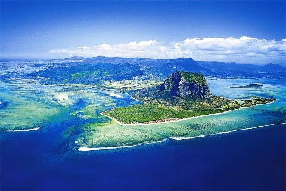 🌴💃✨ 十一黄金周1W6飞这座天堂岛屿,刷新你的度假观!