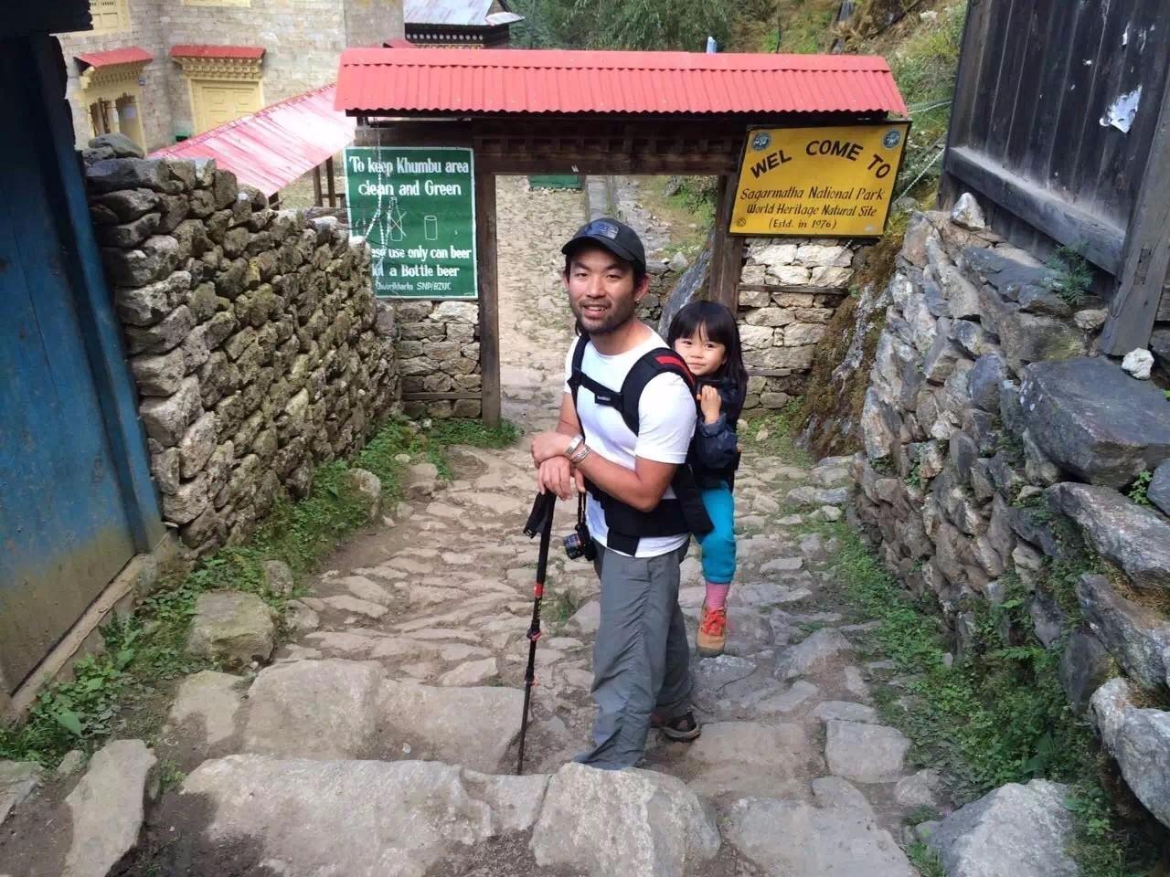 这位爸爸为什么要带着3岁的女儿攀登喜马拉雅山?