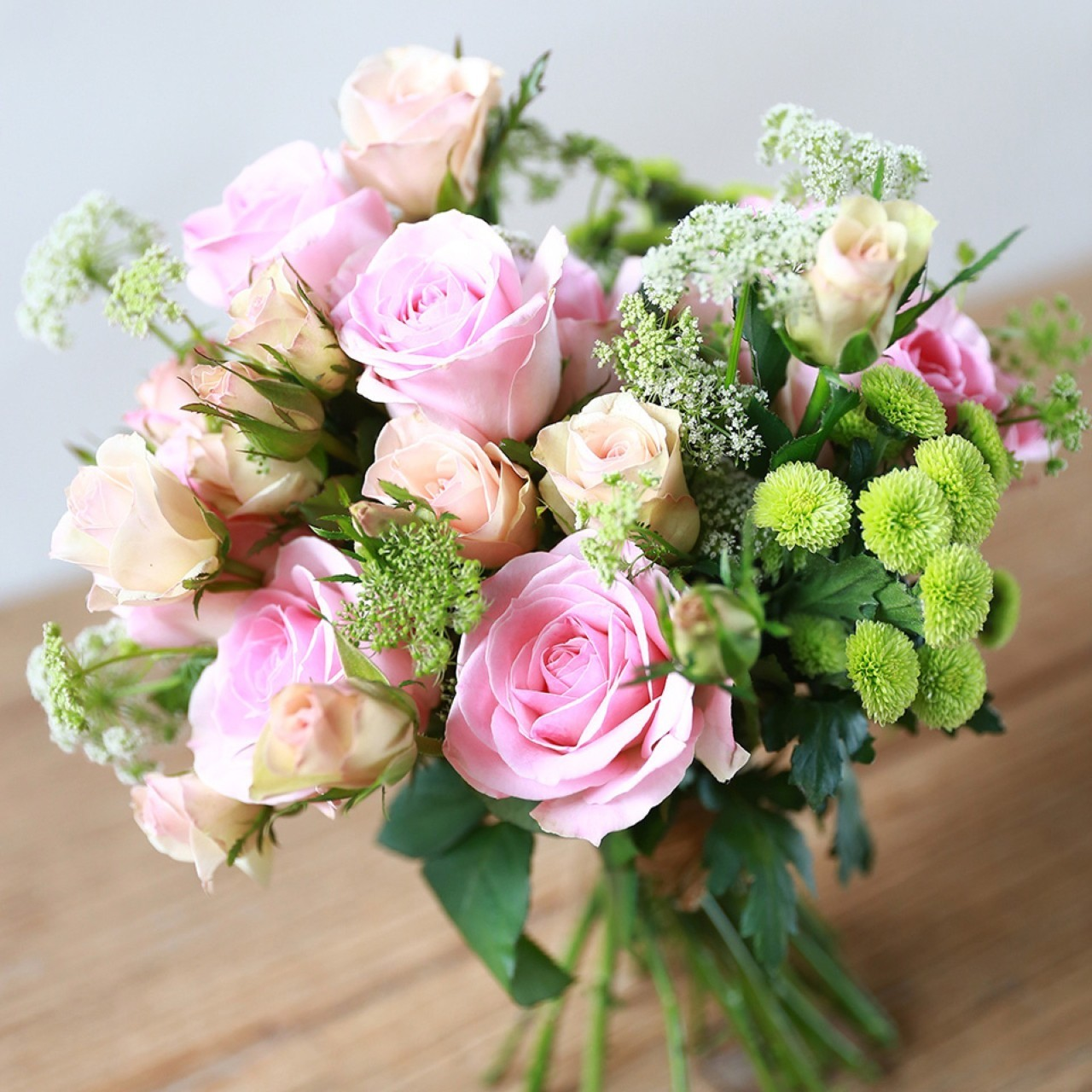 每周一束花按时来临,成全你生活中不经意的小惊喜