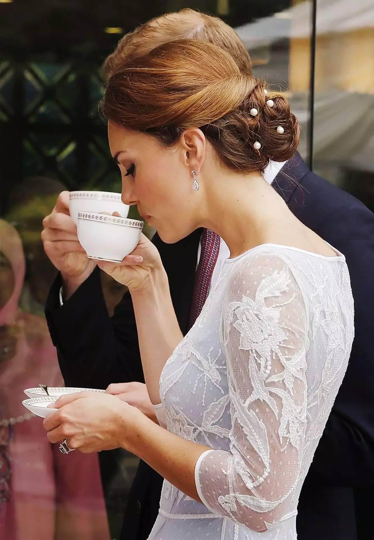 飞去伦敦喝下午茶太远?不如家门口坐邮轮享受海上英伦优雅【赞那度旅行】