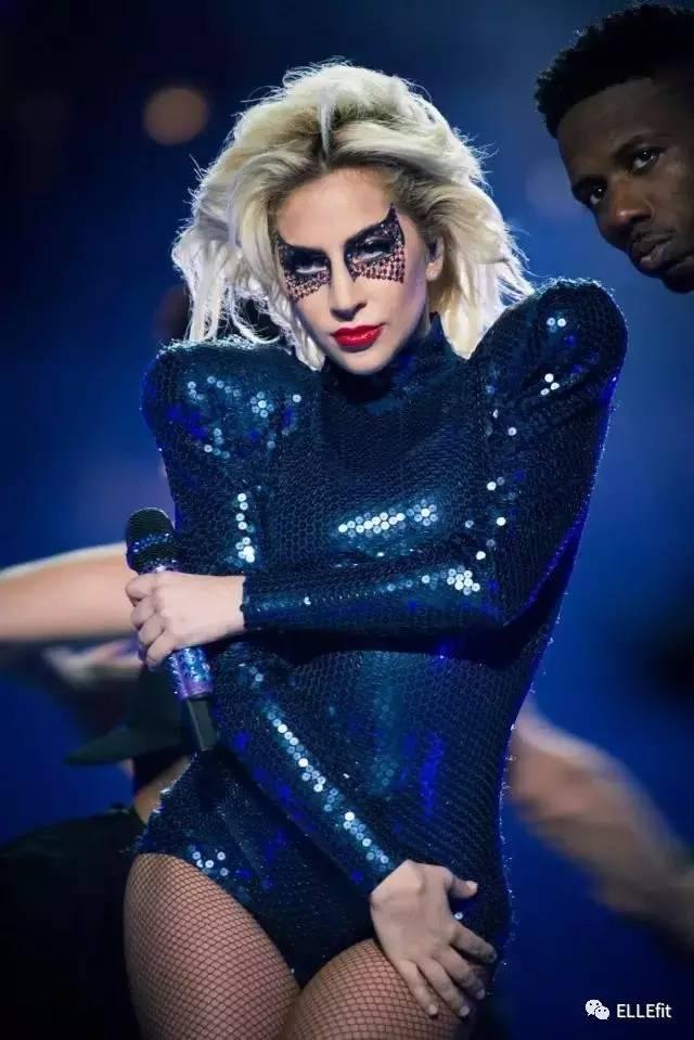 """""""行走的腊肠""""激变""""天降神鳖""""?Lady Gaga秒瘦的秘密武器竟然是?"""