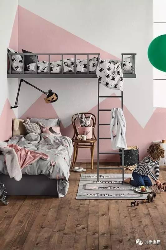 粉色遇到黑就不再小家子气,还挺撩动人心的