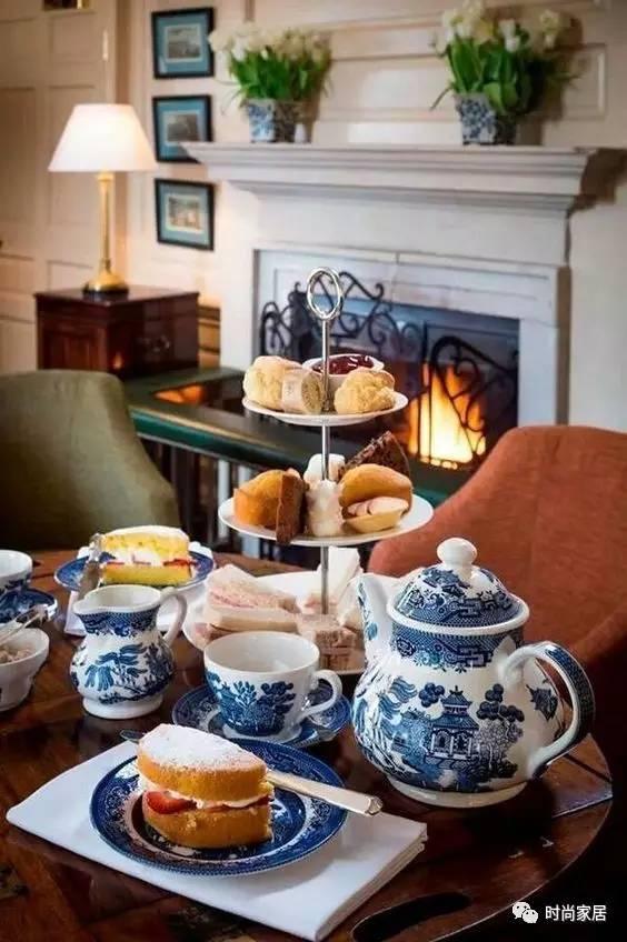 想要拍照聊天吃甜点的美美茶会,先学会桌面摆放的学问吧!