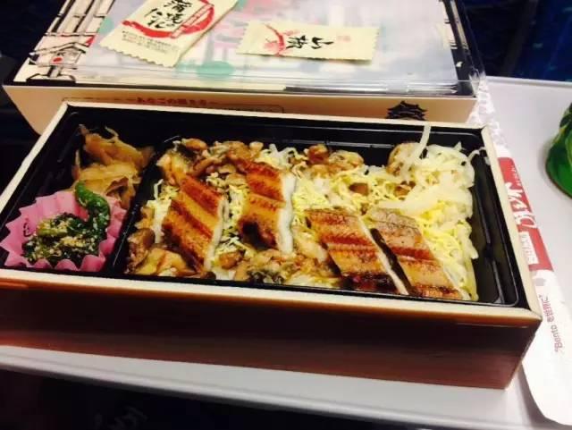饭盒中的百年日本