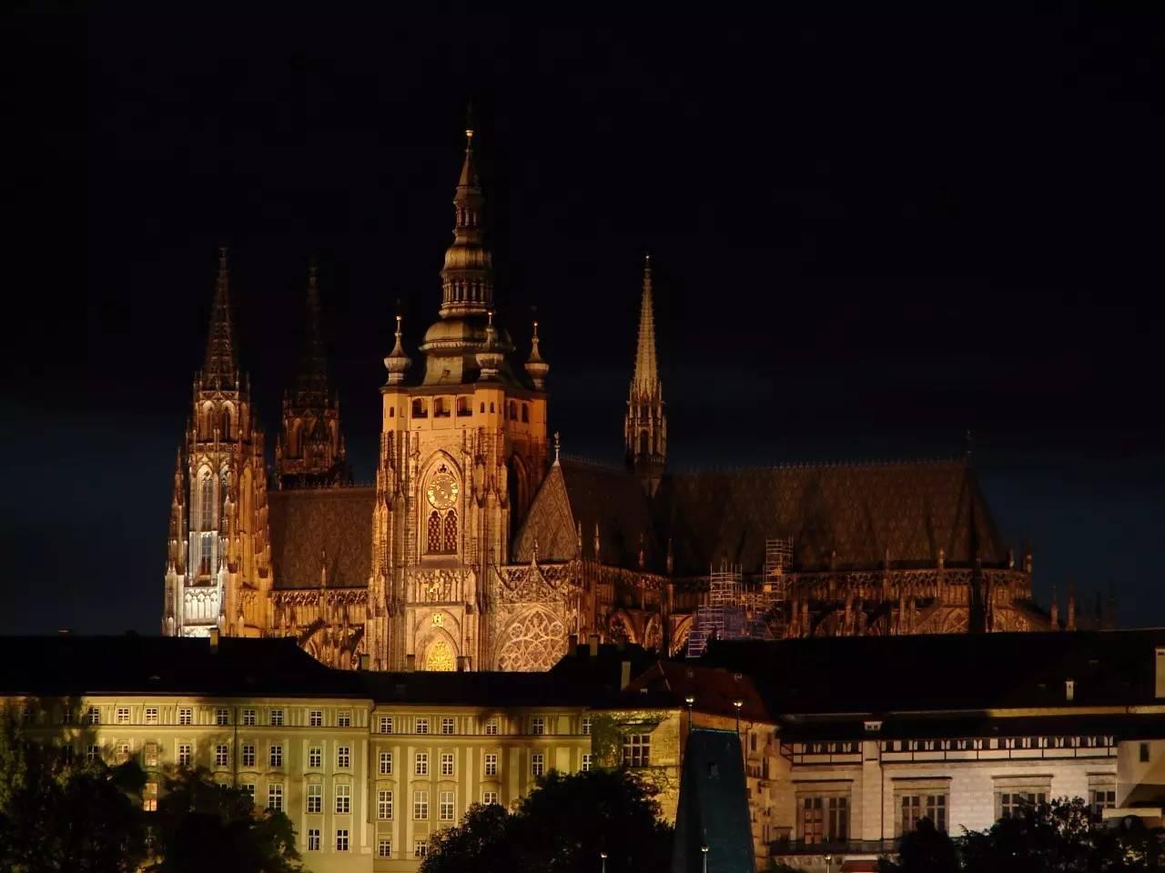 这些城堡可能比童话里写的还要好看 | 世界旅行清单