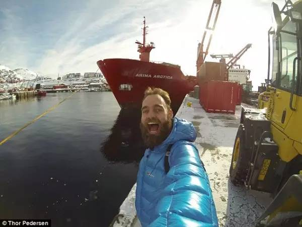 顺风车已经弱爆了!三年来他搭顺风船环游了半个地球