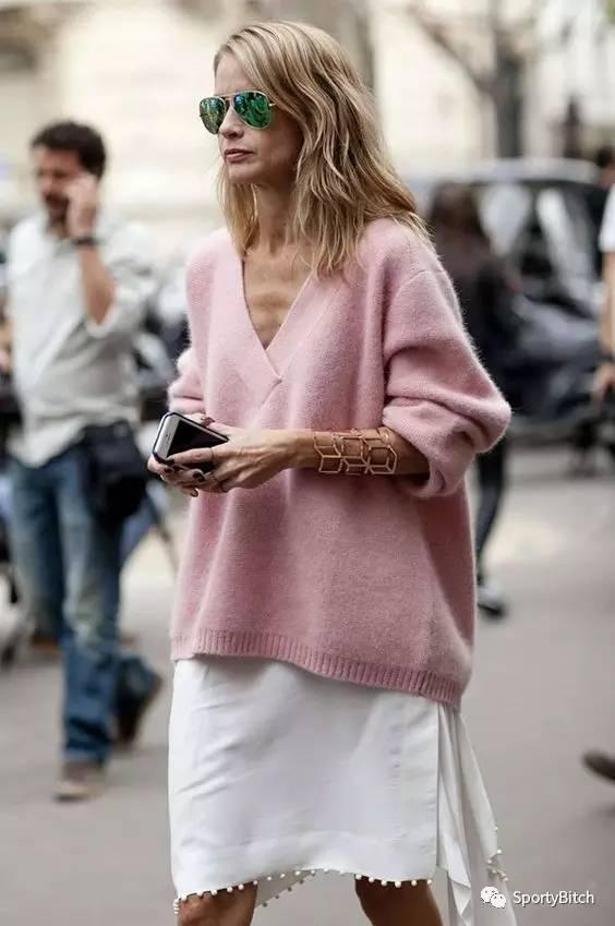 运动型搭|谁还在穿小白鞋啊?我们给你找来了今年必火的8双粉色运动鞋!