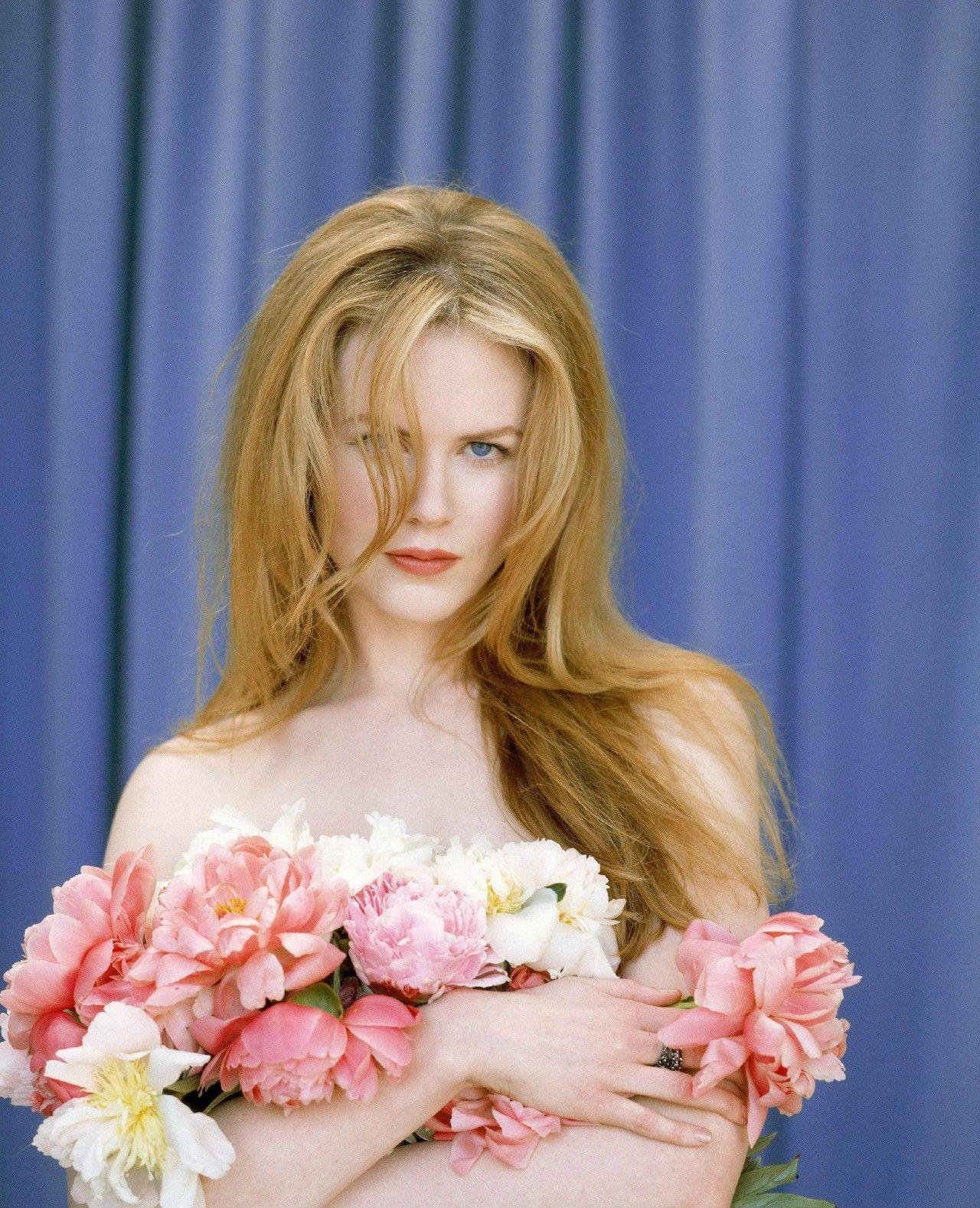 她一脸肉毒杆菌,可我还是爱她如初,她是妮可·基德曼,美在皮相更美在风骨的美人!