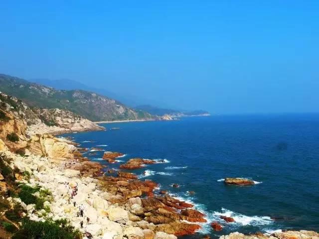 叹为观止的海滩,一边是沙漠,一边是大海!——中国最美八大海岸(上)