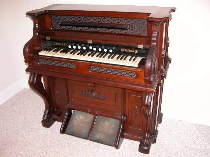 不会造浴缸的发动机公司做不出好钢琴!
