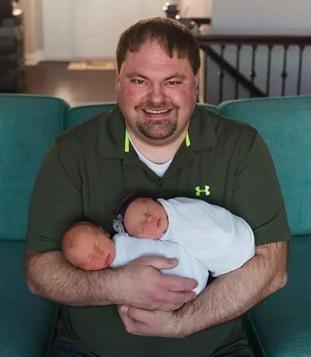 小宝宝只活了11天,却被妈妈po的这组暖心照片,捧成了全世界的宠儿