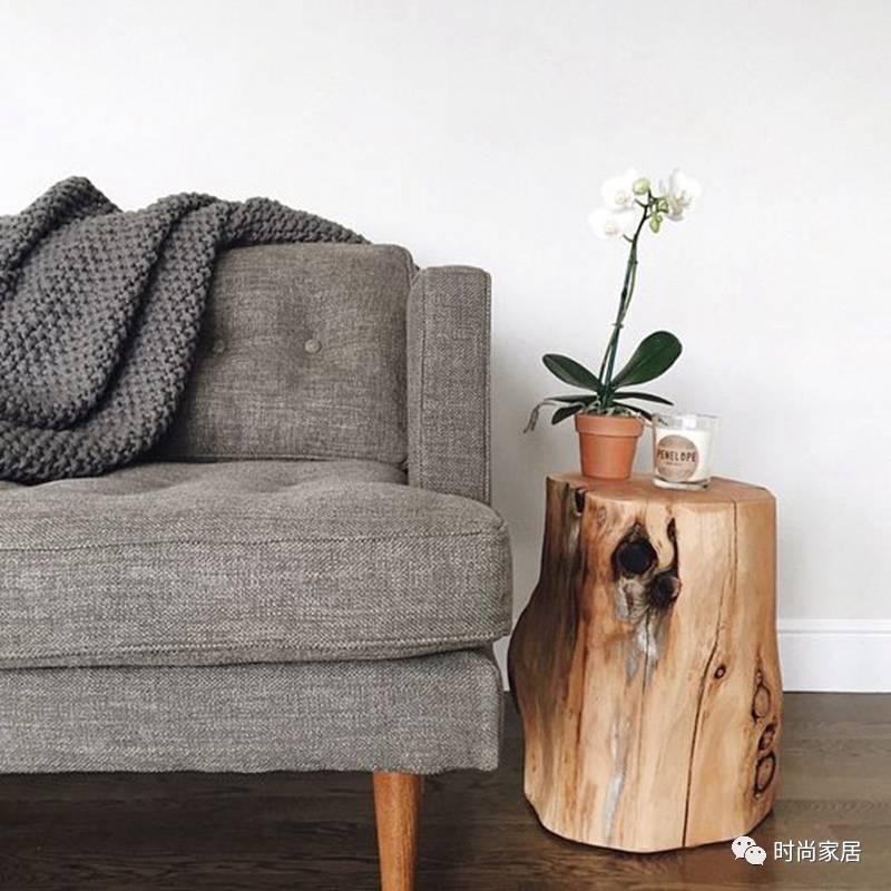 当你在沙发上找到一个最舒适的角度时,却不得不……