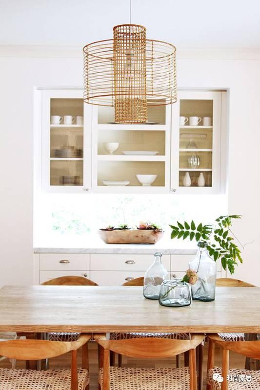 除了桌椅,你家餐厅还缺最重要的一样:餐边柜