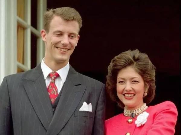 31岁嫁给王子,41岁娶26岁小鲜肉,这个香港姑娘最后做了自己的女王。